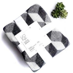 Modern Geometric Blanket Nate Berkus King NWT